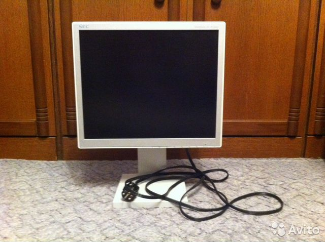 1000 :1 широкоформатный монитор