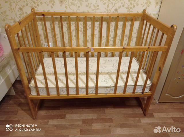 Кроватка детская с матрасом + игровой коврик  89114908936 купить 1