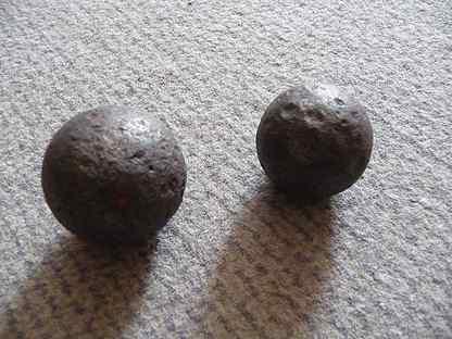 осколки каменных пушечных ядер фото большие обои