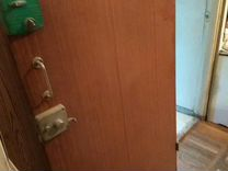 Дверь деревоплита входная б/у