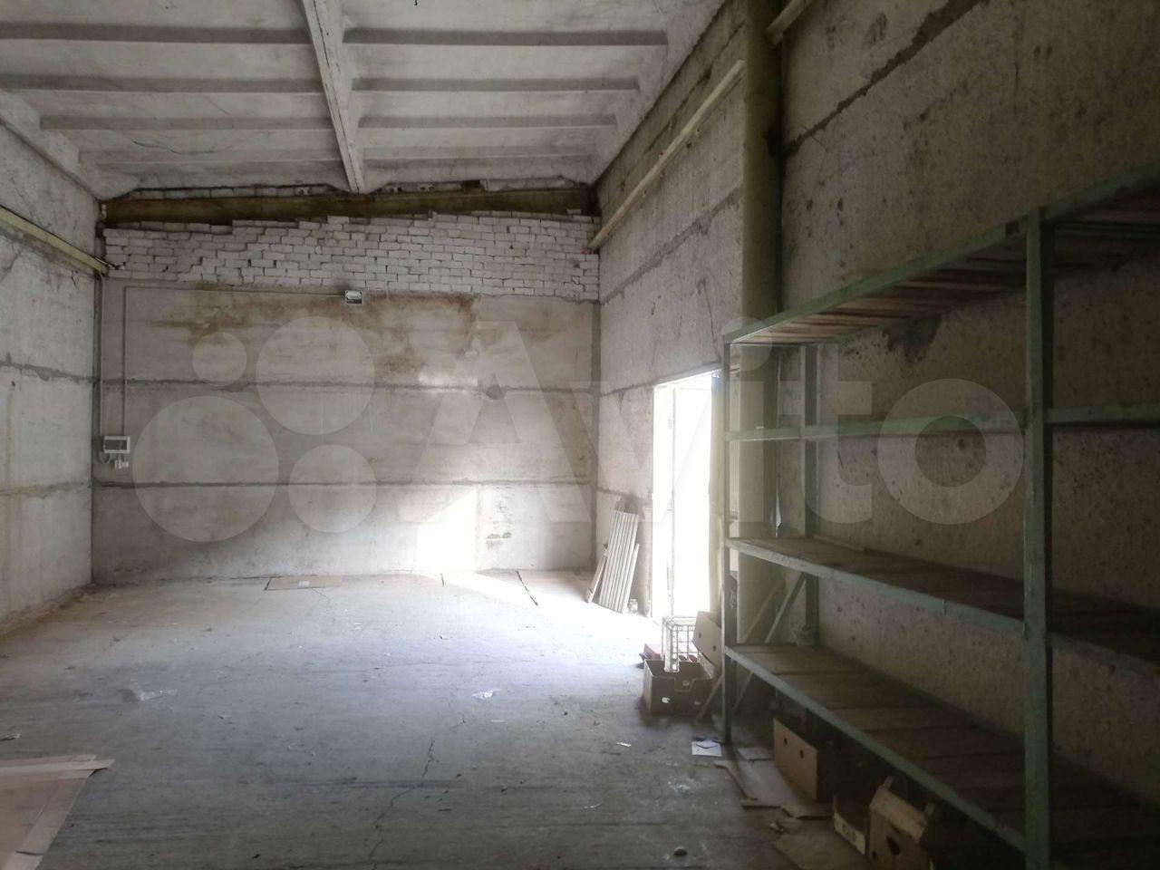 30 м² в Рославле> Гараж, > 30 м²  89101171139 купить 4